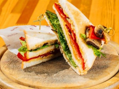 西点培训哪家好丨自制三明治怎么做才更好吃?经典三明治做法来了!