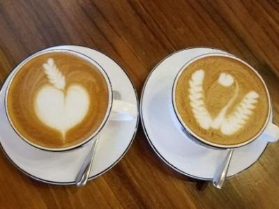 拉花咖啡的制作,怎样做咖啡拉花,学做拉花咖啡