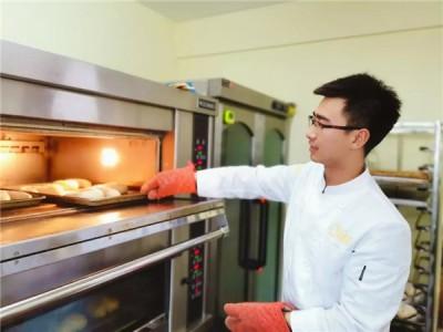 重庆面包培训课程:面团入炉后会发生什么变化?